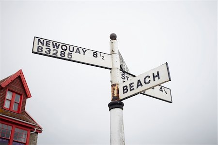 places - Signpost, Porthtowan, Cornwall, England Stock Photo - Rights-Managed, Code: 700-07310933