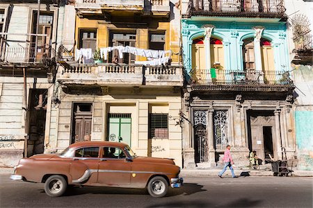 Vintage car in front of historic architecture, Havana, Cuba Stock Photo - Rights-Managed, Code: 700-07567422