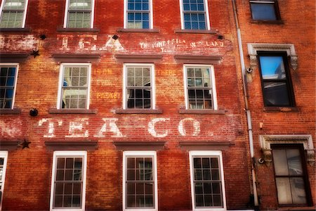 Old tea wharehouse converted to apartments, Manhattan, New York City, NY, USA Stock Photo - Rights-Managed, Code: 700-07698668