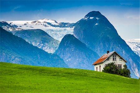snow capped - Mundal in Fjaerland, Sogn og Fjordane, Norway Stock Photo - Rights-Managed, Code: 700-07784685