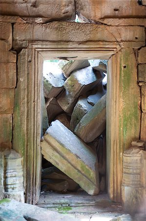 Close-up of doorway and stone slabs, Preah Khan, UNESCO World Heritage Site, Angkor, Siem Reap, Cambodia, Indochina, Southeast Asia, Asia Stock Photo - Rights-Managed, Code: 700-07803166