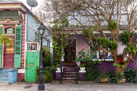 Facade of Purple House, French Quarter, New Orleans, Louisiana, USA Stock Photo - Rights-Managed, Code: 700-07844513