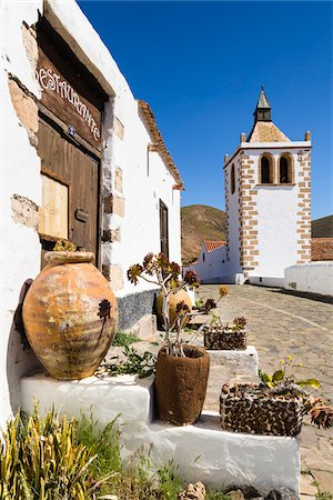 Alley by the church of Santa Maria de Betancuria, Betancuria, Fuerteventura, Las Palmas, Canary Islands Stock Photo - Rights-Managed, Code: 700-07945291