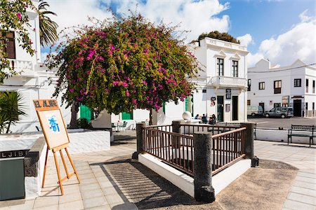 street cafe day - White washed buildings in the town center of Haria, Valley of a Thousand Palms, Lanzarote, Las Palmas, Canary Islands Stock Photo - Rights-Managed, Code: 700-07945327