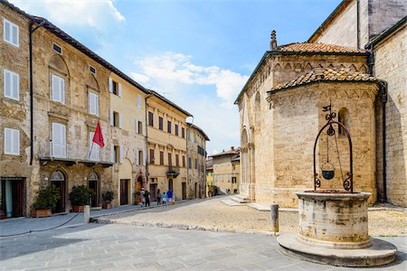square - Collegiate Church of San Quirico with Well, San Quirico d'Orcia, Val d'Orcia, Siena, Tuscany, Italy Stock Photo - Rights-Managed, Code: 700-07966059
