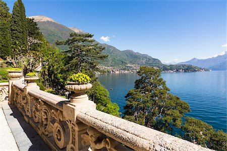 Stone railing on balcony and scenic view, Villa del Balbianello, Lenno, Lombardy, Italy Fotografie stock - Rights-Managed, Codice: 700-07992729