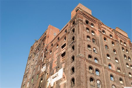 Warehouse building being converted to apartments, Williamsburg, Brooklyn, New York City, New York, USA Stock Photo - Rights-Managed, Code: 700-08002519