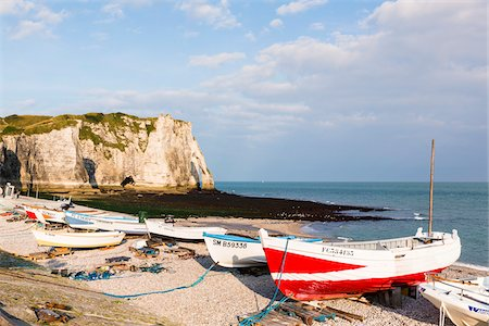 france - Fishing Boats on Beach in front of Porte d'Aval, Cote d'Albatre, Pays de Caux, Seine-Maritime, Haute-Normandie, Normandy, France Stock Photo - Rights-Managed, Code: 700-08059747