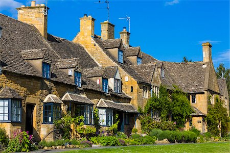 quaint house - Stone cottages, Broadway, Worcestershire, The Cotswolds, England, United Kingdom Stock Photo - Rights-Managed, Code: 700-08122178