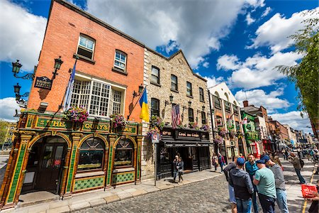 Street scene, Temple Bar square, Dublin, Leinster, Ireland Stock Photo - Rights-Managed, Code: 700-08146269