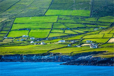 Scenic, coastal view of St Finian's Bay, along the Skellig Coast on the Ring of Kerry, County Kerry, Ireland Stock Photo - Rights-Managed, Code: 700-08146389