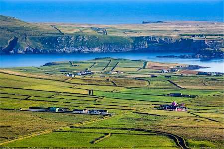 Scenic overview of farmland, Portmagee, along the Skellig Coast on the Ring of Kerry, County Kerry, Ireland Foto de stock - Con derechos protegidos, Código: 700-08146407