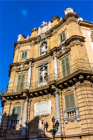 Close-up of West building at Piazza Vigliena (Quattro Canti) on Corso Vittorio Emanuele in the historic center of Palermo in Sicily, Italy Stock Photo - Rights-Managed, Code: 700-08701892