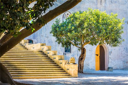 south european - Stone steps and walls shaded by trees at the Donnafugata Castle in the Province of Ragusa in Sicily, Italy Stock Photo - Rights-Managed, Code: 700-08723141