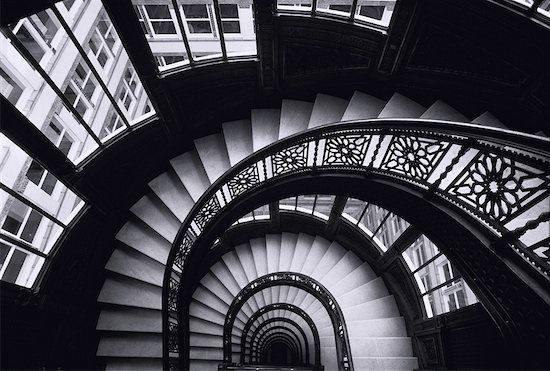 Looking Down Circular Staircase In Rookery Building Chicago, Illinois, USA Stock Photo - Premium Rights-Managed, Artist: Peter Griffith, Image code: 700-00026407