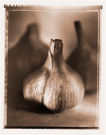 Close-Up of Garlic Stock Photo - Rights-Managed, Code: 700-00031041