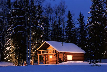 Cabin in Winter at Dusk Stock Photo - Rights-Managed, Code: 700-00033891