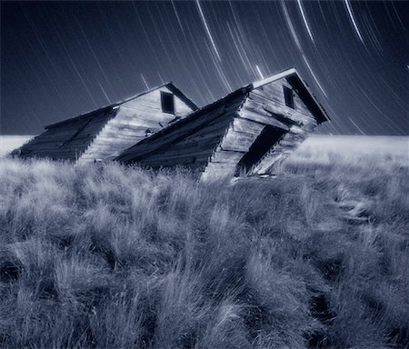 star trail black and white - Star Trails and Tilted Barn near Grasslands National Park Saskatchewan, Canada Stock Photo - Rights-Managed, Code: 700-00058515