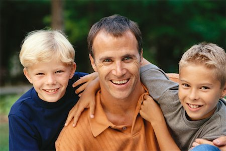 peter griffith - Portrait of Father and Sons Outdoors, Toronto, ON, Canada Stock Photo - Rights-Managed, Code: 700-00069467
