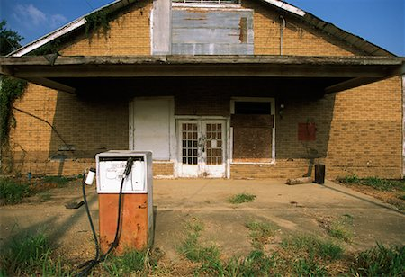 rural gas station - Abandoned Gas Station Itta Bena, Mississippi, USA Stock Photo - Rights-Managed, Code: 700-00095415