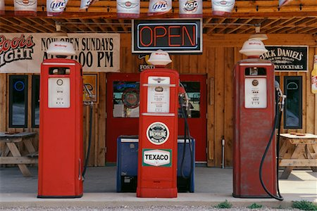 rural gas station - Old Gas Station South Dakota, USA Stock Photo - Rights-Managed, Code: 700-00189315