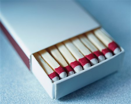 Box of Wooden Matches Stock Photo - Rights-Managed, Code: 700-00357244
