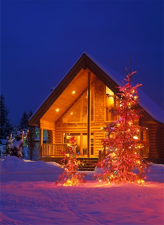 Log Cabin Decorated with Christmas Lights, Marysville, British Columbia, Canada Stock Photo - Rights-Managed, Code: 700-00366361