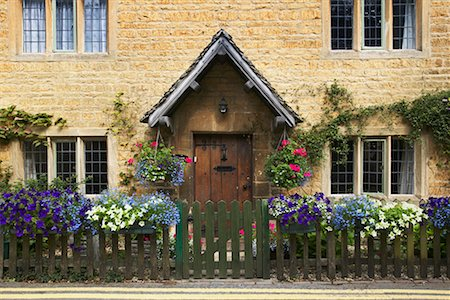 English Cottage, Moreton-in-Marsh, Cotswolds, England Stock Photo - Rights-Managed, Code: 700-00513872