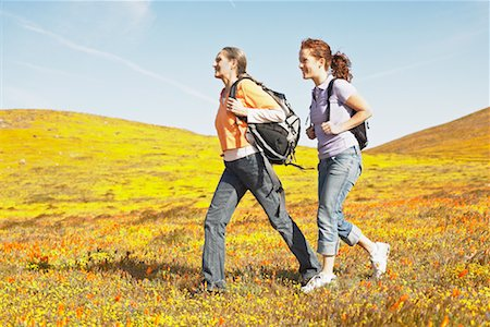 simsearch:600-00846421,k - Mother and Daughter Hiking Stock Photo - Rights-Managed, Code: 700-00554622
