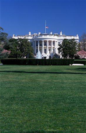 flag at half mast - White House, Washington D.C., USA Stock Photo - Rights-Managed, Code: 700-00555005