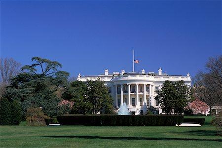flag at half mast - White House, Washington D.C., USA Stock Photo - Rights-Managed, Code: 700-00555006
