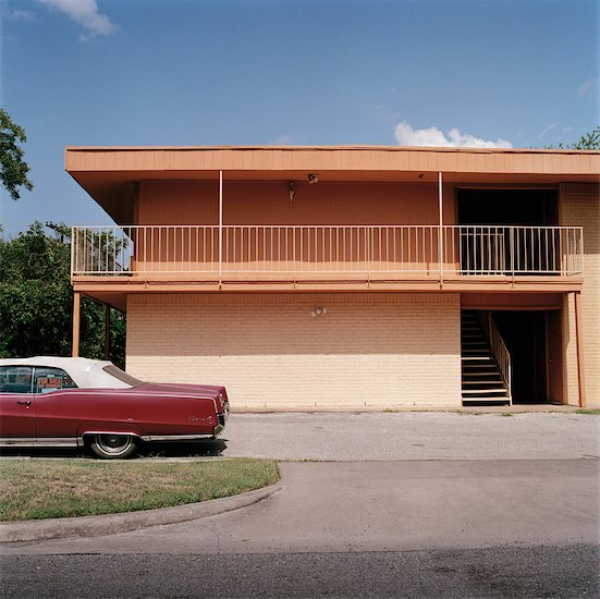 Car and Abandoned Building, Austin, Texas, USA Stock Photo - Premium Rights-Managed, Artist: Mark Peter Drolet, Image code: 700-00557180