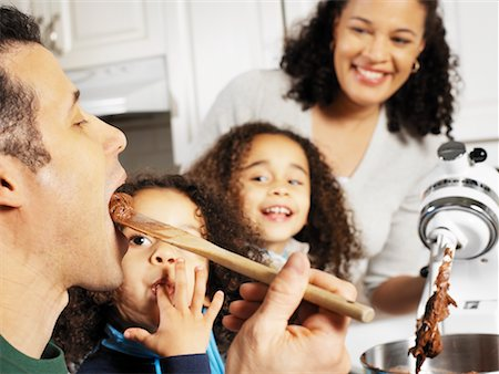 simsearch:846-02793283,k - Family Baking Together Stock Photo - Rights-Managed, Code: 700-00588660