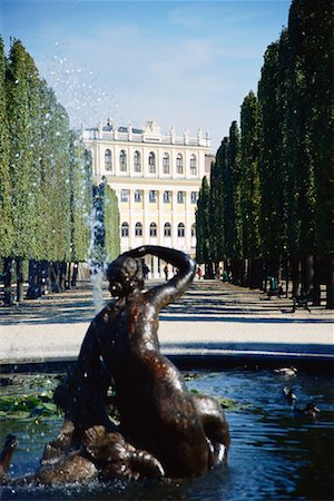 Schoenbrunn Palace, Vienna, Austria Stock Photo - Rights-Managed, Code: 700-00711714