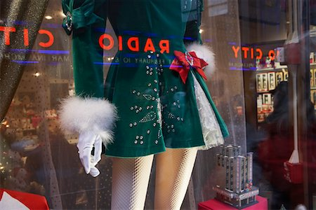 david zimmerman - Mannequin in Store Window at Rockefeller Plaza Near Radio City Music Hall, NY, NY, USA Stock Photo - Rights-Managed, Code: 700-00866896