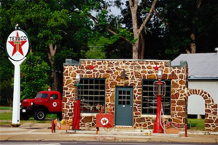 rural gas station - Gas Station Stock Photo - Rights-Managed, Code: 700-00934609