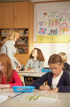 simsearch:600-01184690,k - Teacher with Children in Classroom Stock Photo - Rights-Managed, Code: 700-01119801