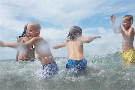 Children at the Beach, Barrie, Ontario, Canada Stock Photo - Rights-Managed, Code: 700-01110111