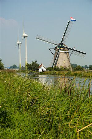 simsearch:600-00954324,k - Traditional Windmill and Turbines Netherlands Fotografie stock - Rights-Managed, Codice: 700-01110222