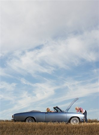 stalled car - Women with Stalled Car Stock Photo - Rights-Managed, Code: 700-01199944