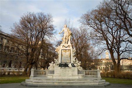 Statue of Mozart, Burggarten, Vienna, Austria Stock Photo - Rights-Managed, Code: 700-01249128