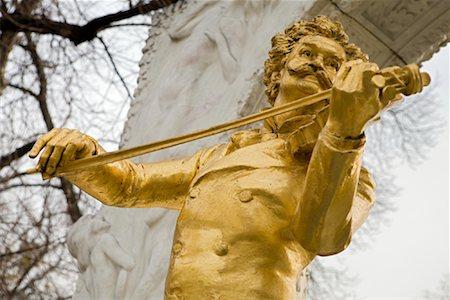 Johann Strauss Statue, Stadtpark, Vienna, Austria Stock Photo - Rights-Managed, Code: 700-01249131