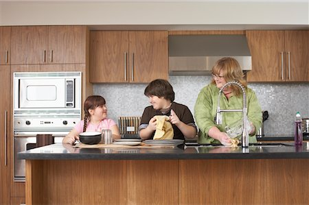 Mother and Children Washing Dishes Stock Photo - Rights-Managed, Code: 700-01345066