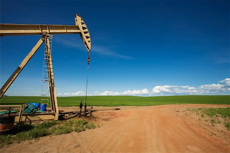 Pump Jack at Oil Well, North Dakota, USA Stock Photo - Rights-Managed, Code: 700-01519637
