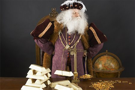 King Weighing Gold Bars Stock Photo - Rights-Managed, Code: 700-01582211