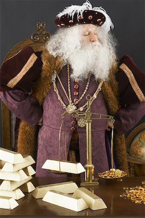 King Weighing Gold Bars Stock Photo - Rights-Managed, Code: 700-01582212