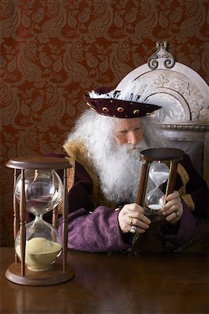 sand clock - King Holding Hourglass Stock Photo - Rights-Managed, Code: 700-01582223