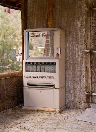 rural gas station - Vintage Vending Machine, Eldorado Canyon, Nevada, USA Stock Photo - Rights-Managed, Code: 700-01607345