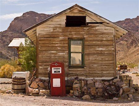 rural gas station - Vintage Gas Pump, Eldorado Canyon, Nevada, USA Stock Photo - Rights-Managed, Code: 700-01607343