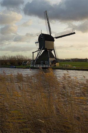 simsearch:600-00954324,k - Windmill, Kinderdijk, Netherlands Fotografie stock - Rights-Managed, Codice: 700-01742866
